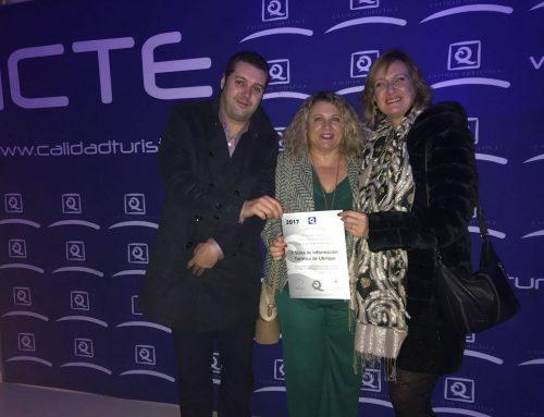 La alcaldesa de Ubrique recoge en Madrid el certificado Q de Calidad Turística