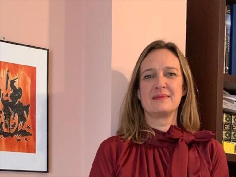 Alcaldesa Ubrique, Isabel Gómez alienta a Ubrique
